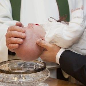 Dåbens mirakel – det er aldrig for sent at blive døbt