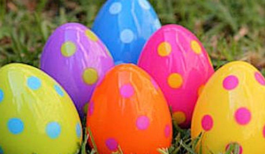 Æggejagt i præstegårdshaven Palmesøndag
